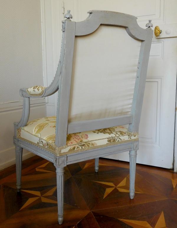 Marc Gautron : fauteuil de bureau d'époque Louis XVI finement sculpté en soie brochée - estampillé