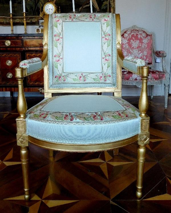 Paire de fauteuils d'apparat en bois doré d'époque Directoire, soie du Palais de l'Elysée