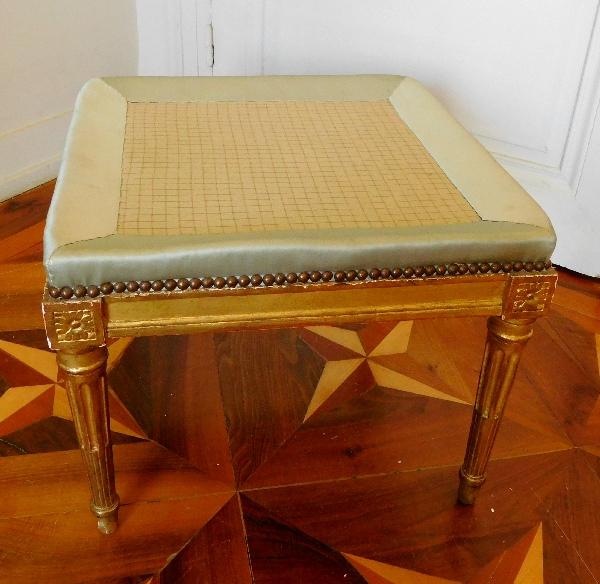 Tabouret en bois doré d'époque Louis XVI coussin de satin