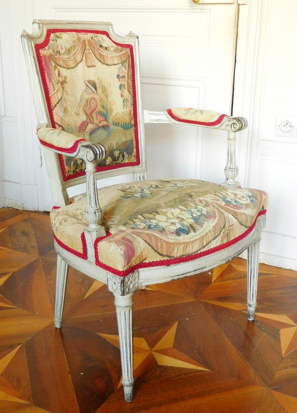 Paire de fauteuils cabriolets d'époque Louis XVI, tapisserie d'Aubusson XVIIIe (doublée)