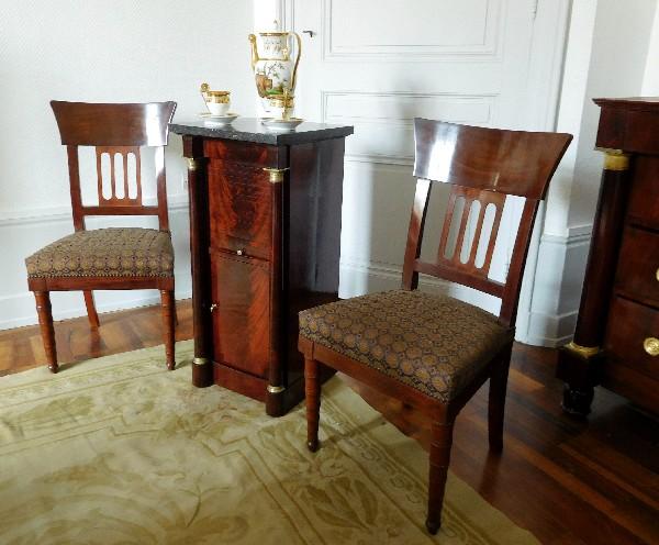 Paire de chaises en acajou à l'Antique d'époque Consulat, attribuées à Jacob Desmalter
