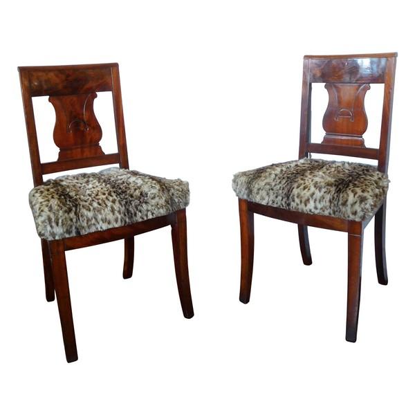 Paire de chaises Empire en acajou, couverture de fourrure façon léopard