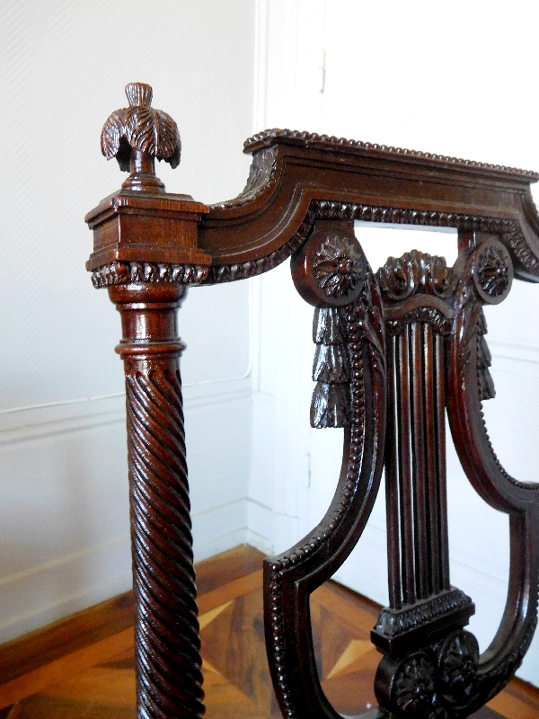 Georges Jacob : paire de chaises lyre en acajou finement sculpté, époque Louis XVI - estampille