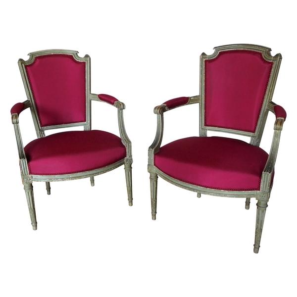 Paire de fauteuils cabriolets d'époque Louis XVI, faille de soie pourpre