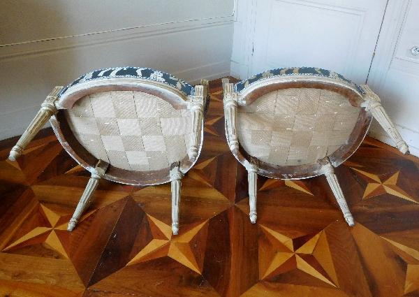 Claude Séné : paire de fauteuils cabriolets d'époque Louis XVI estampillés, soie Tassinari & Châtel