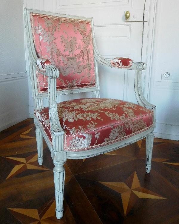 JB Boulard, menuisier du Roi : paire de fauteuils à la Reine d'époque Louis XVI, estampillés